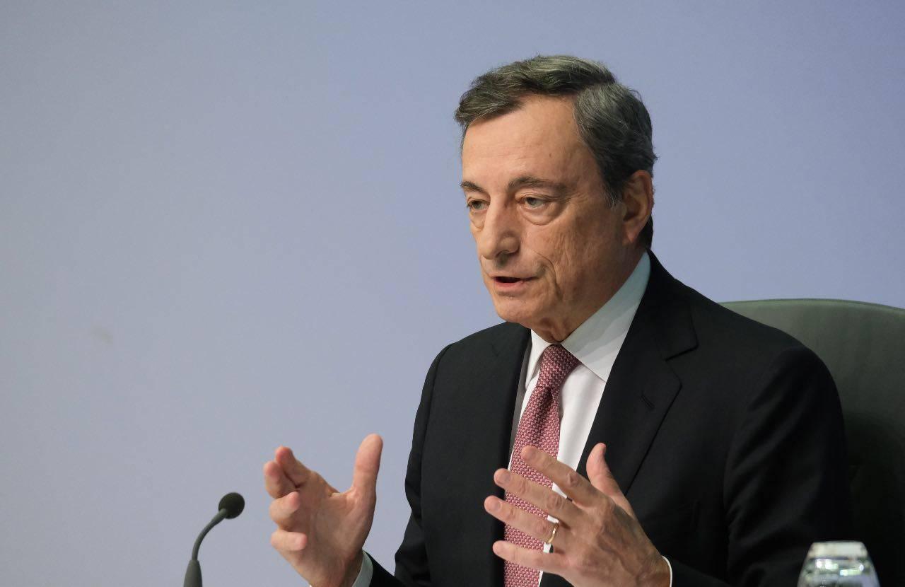 Covid-19, Draghi su AstraZeneca
