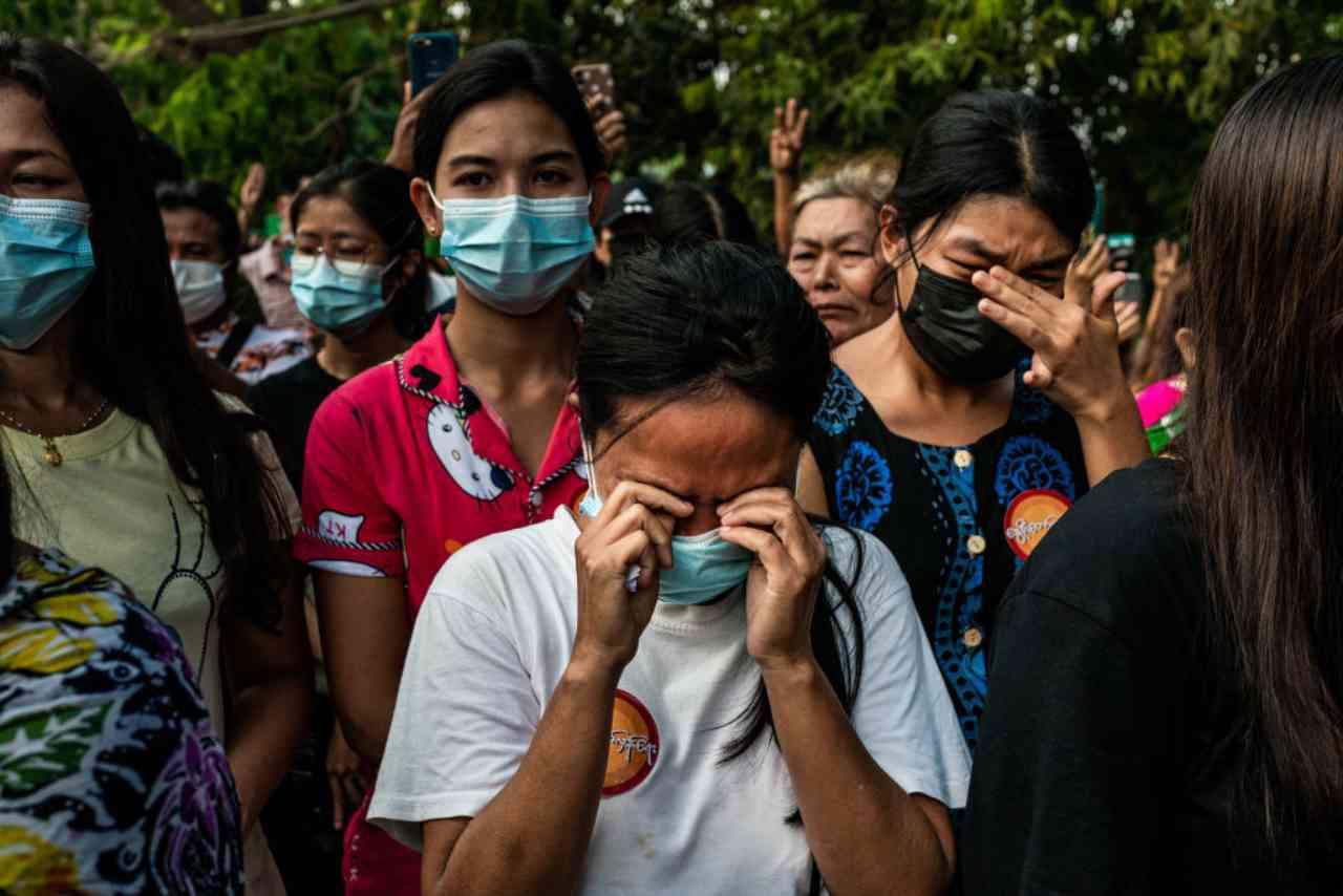 Myanmar violenza