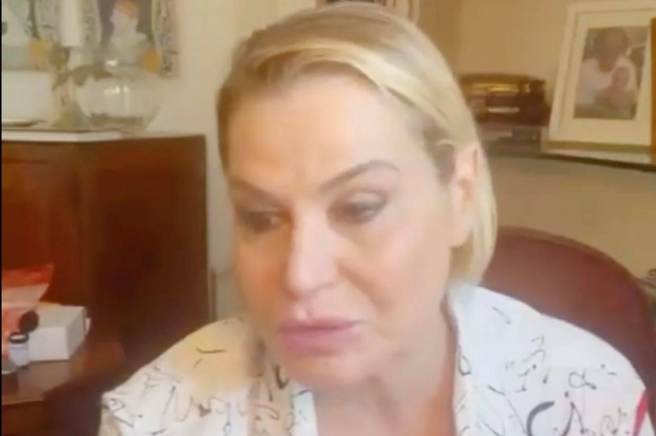 """Simona Ventura: """"Siete anoressici di rispetto e sentimenti"""""""