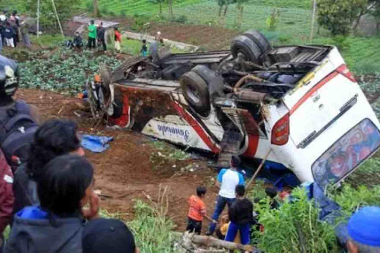 Indonesia autobus morti
