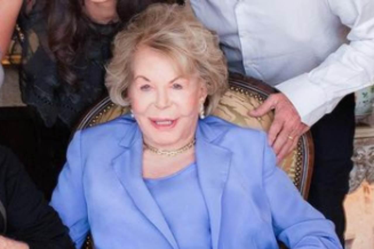 Addio all'attrice Anne Douglas