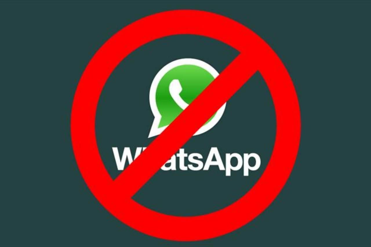 WhatsApp addio