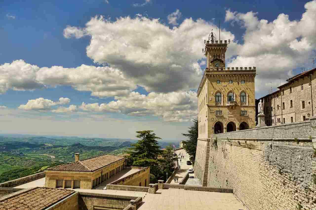 San Marino, riaprono i ristoranti a cena