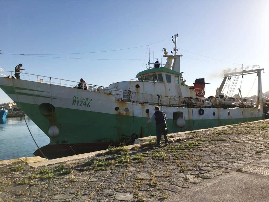 Arrivo peschereccio Aliseo a Mazara del Vallo - Foto Facebook del sindaco di Mazara del Vallo, Salvatore Quinci