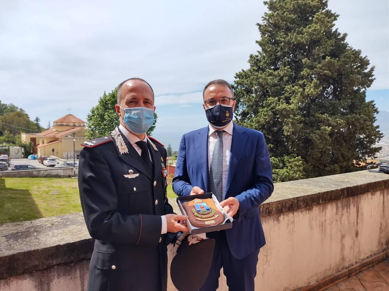 Consegna affreschi Castellammare di Stabia - Foto Facebook del sindaco Gaetano Cimmino
