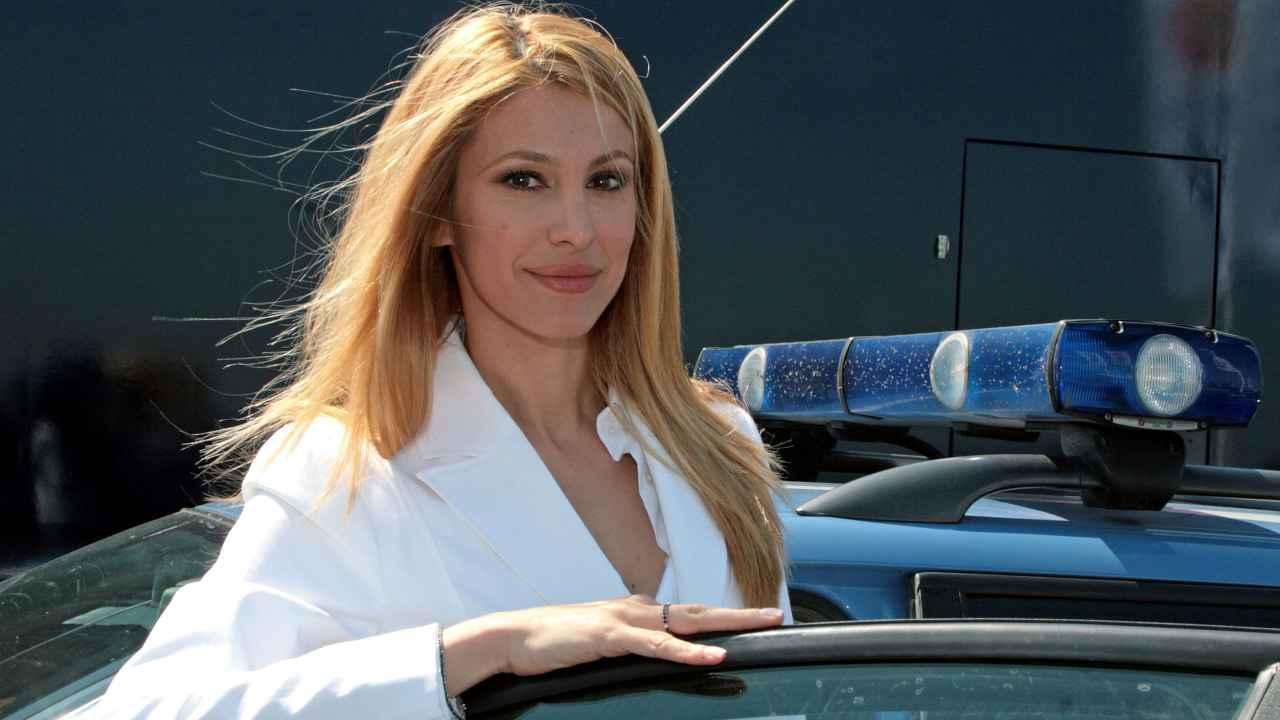 Adriana Volpe sul set della serie Tv Polstrada (foto di Elisabetta Villa/Getty Images).