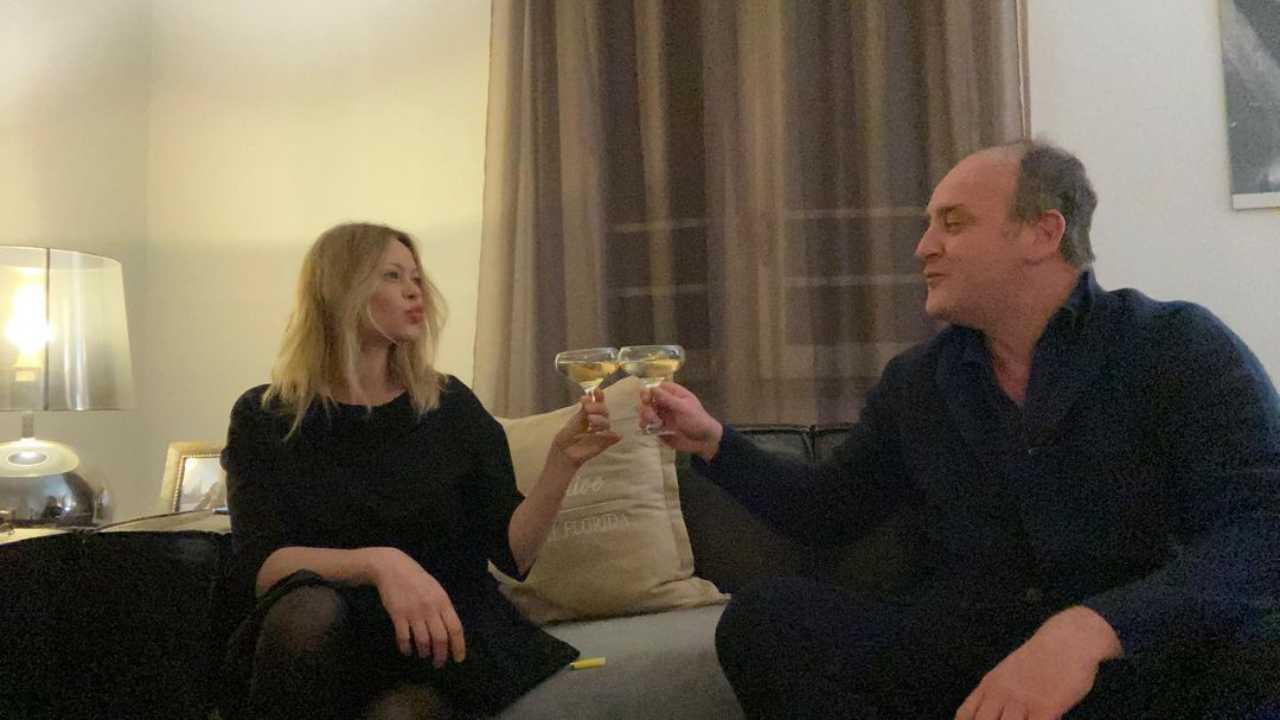 Il Deputato di Forza Italia, Andrea Ruggeri, con la sua fidanzata Anna Falchi (foto © Instagram).