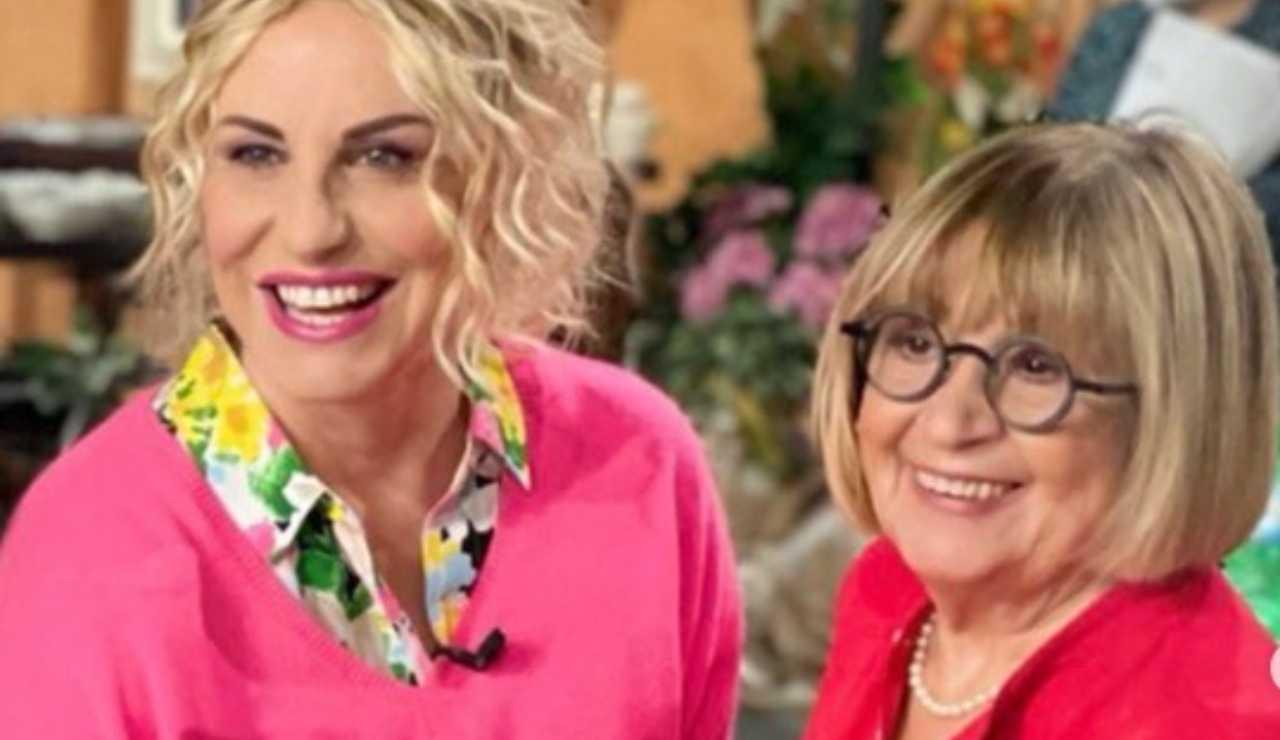 Antonella Clerici e Anna Moroni durante una puntata de La Prova del Cuoco (foto © Rai).