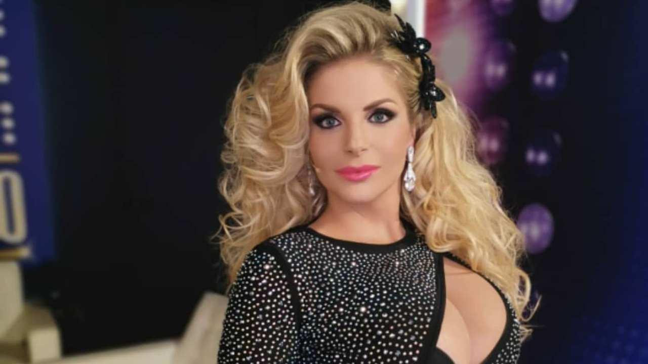La showgirl Francesca Cipriani durante un'ospitata in Tv (foto Instagram).