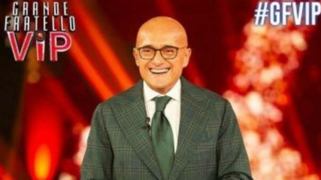 Alfonso Signorini, il presentatore del GF Vip 6 (foto © Mediaset).