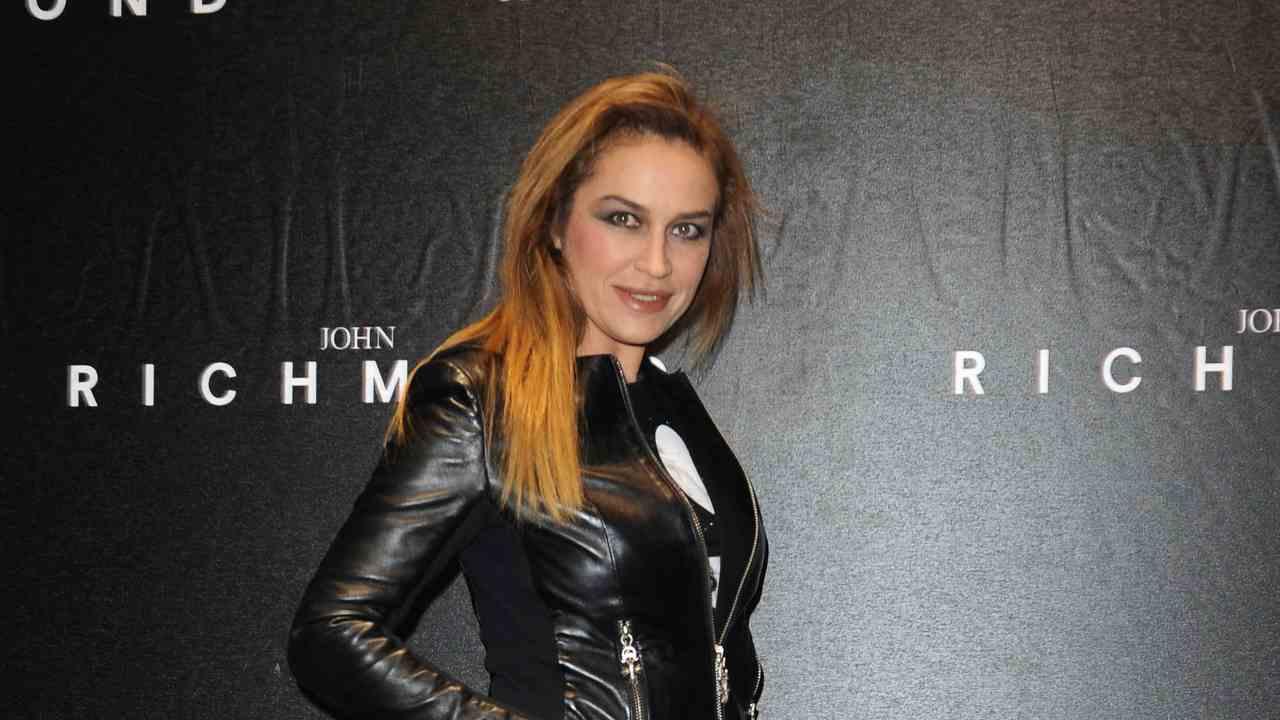 La showgirl Lory Del Santo alla sfilata di John Richmond (foto Tullio M. Puglia/Getty Images).