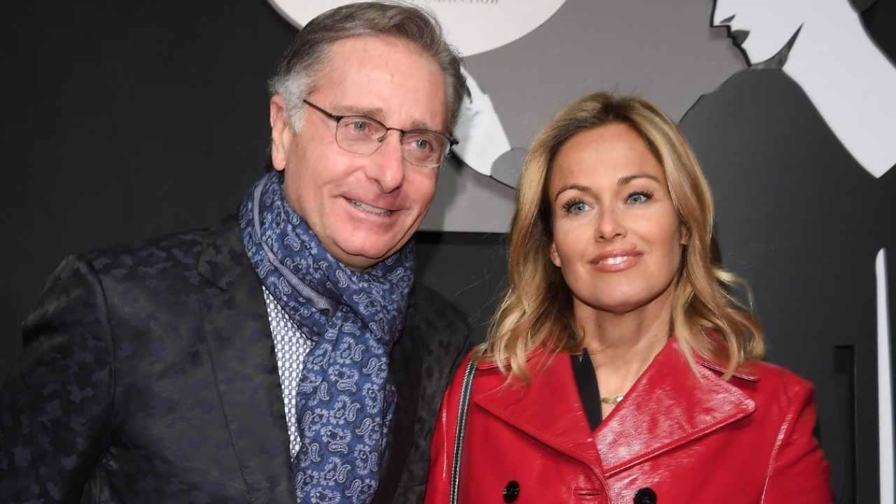 Paolo Bonolis e la moglie Sonia Bruganelli (foto Instagram).