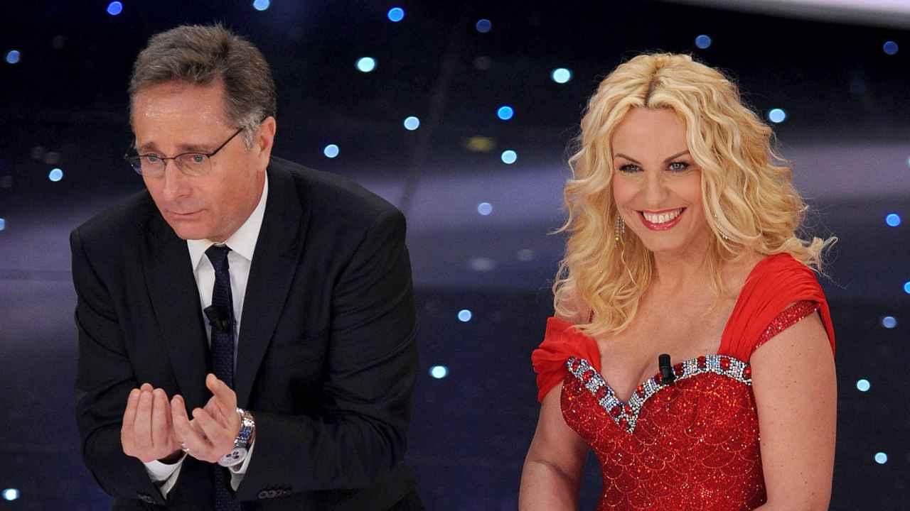 Sanremo: Paolo Bonolis e Antonella Clerici presentano il sessantesimo festival della canzone italiana. 16 febbraio 2010, Teatro Ariston, San Remo (foto di Daniele Venturelli/Getty Images).
