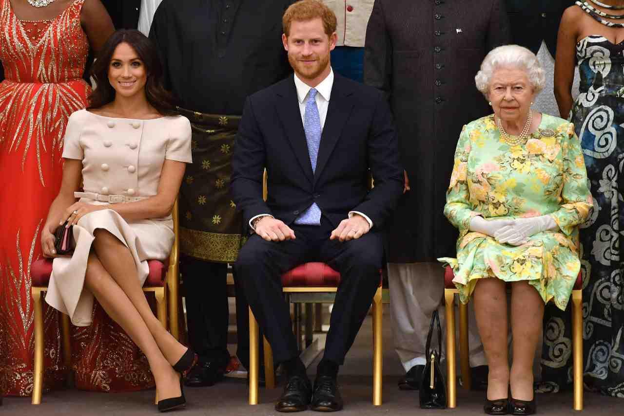 Regina Elisabetta, vendetta contro Harry e Meghan Markle?