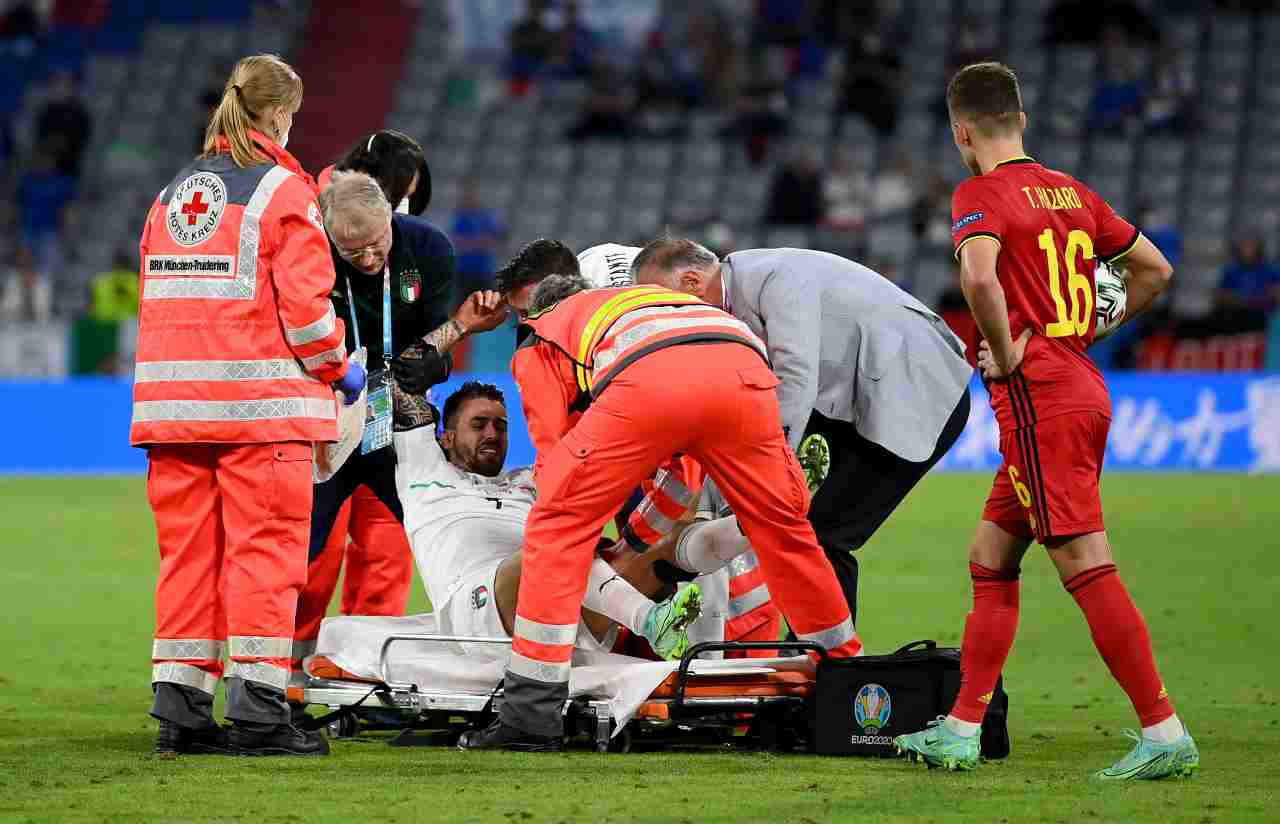 Il terzino sinistro Leonardo Spinazzola in lacrime al 79' di Belgio-Italia. Euro 2020, 2 luglio 2021 (foto di Matthias Hangst/Getty Images).