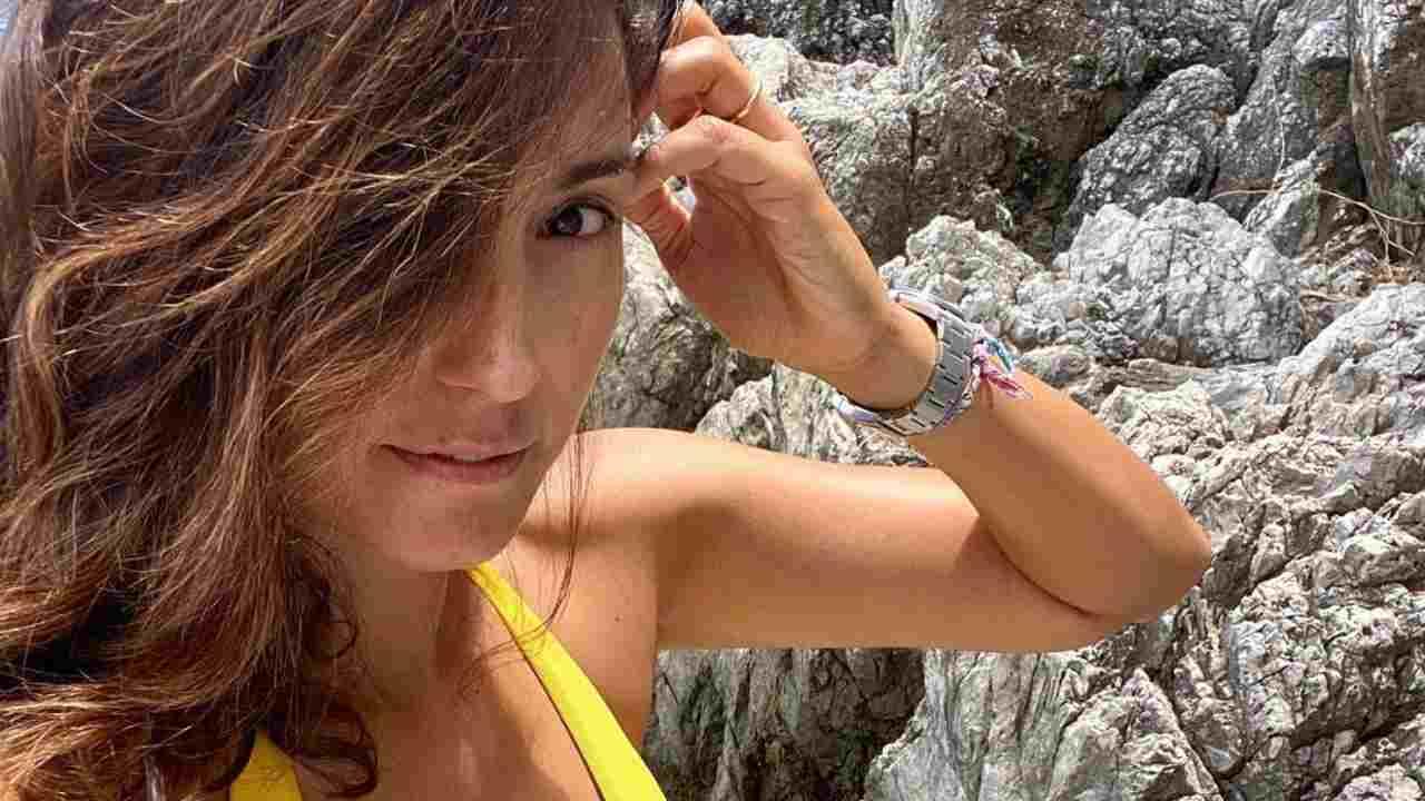 La conduttrice Caterina Balivo in vacanza sulla costiera amalfitana (foto Instagram).