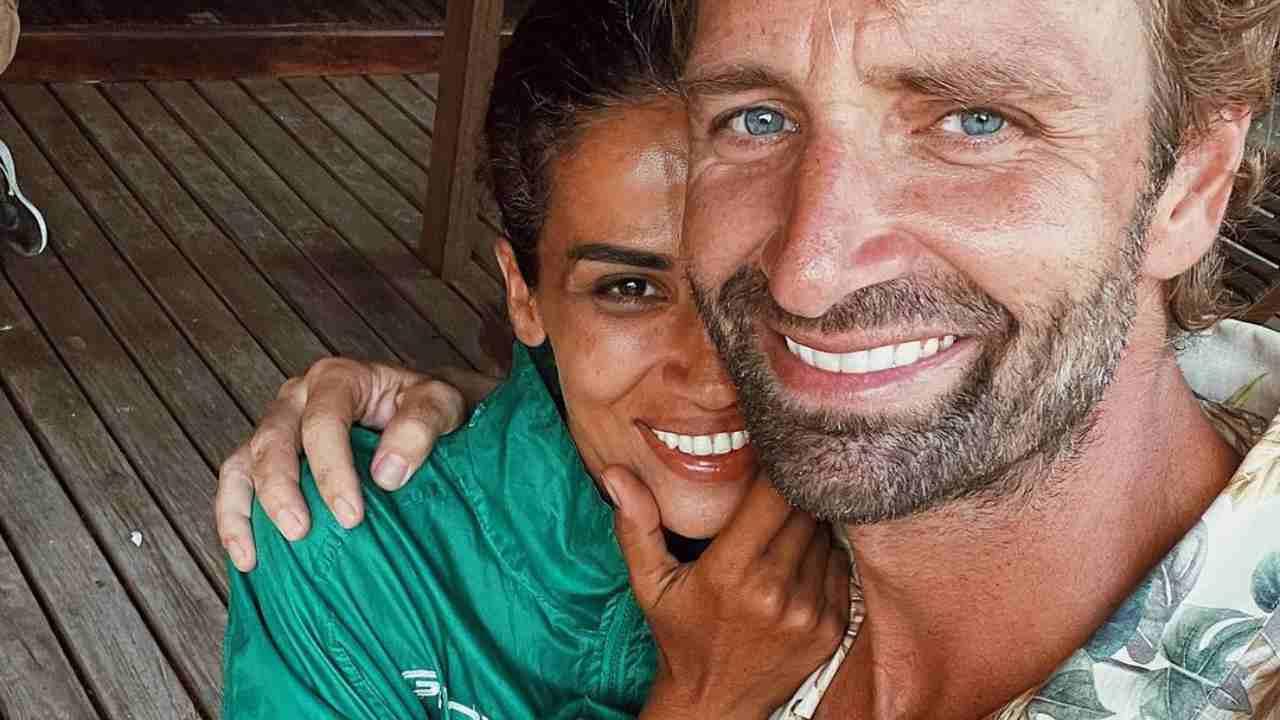 Massimiliano Rosolino e Francesca Lodo si concedono un selfie al termine dell'avventura all'Isola dei Famosi (foto Instagram).