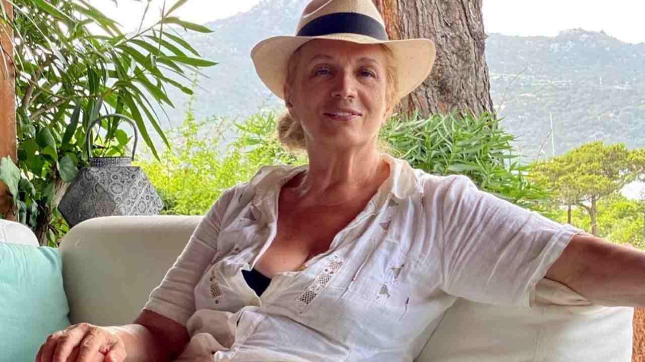 L'artista Iva Zanicchi in vacanza in Sardegna: presto per lei un nuovo programma? (foto Instagram).