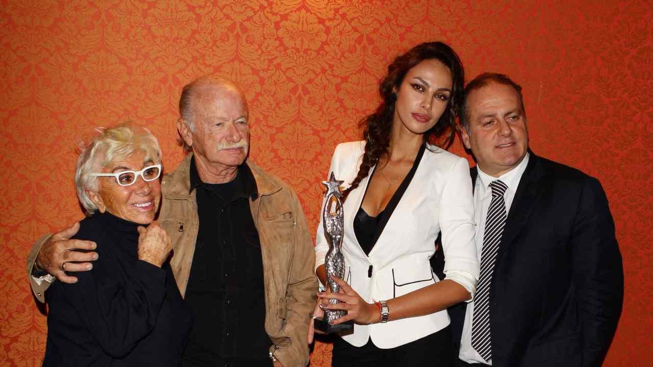 Gina Wertmuller, Gino Paoli, Madalina Ghenea e Pascal Vicedomini alla conferenza stampa di 2011 Capri Hollywood. 21 Novembre 2011 (foto di Vittorio Zunino Celotto/Getty Images).