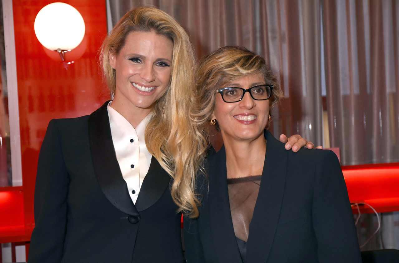 La conduttrice Michelle Hunizker con l'avvocato Giulia Buongiorno al Festival di Venezia, anno 2019 (foto di Elisabetta Villa/Getty Images for Campari).