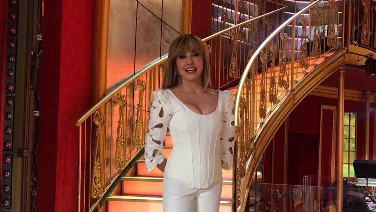 La presentatrice Milly Carlucci durante una puntata di Ballando con le Stelle (foto Rai).