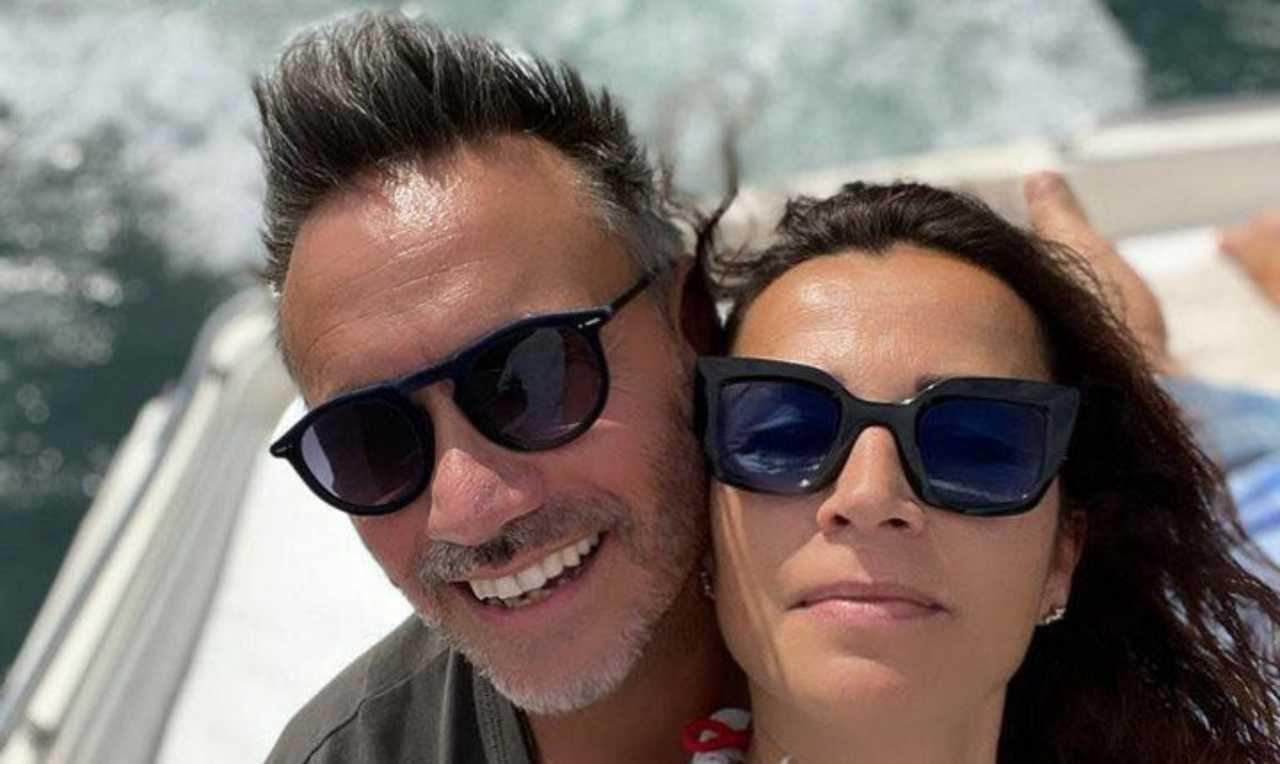 Il cantante Nek in vacanza con la moglie Patrizia Vacondio (foto Instagram).