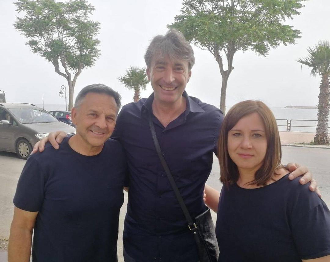 Piero Pulizzi, il giornalista Milo Infante e Piera Maggio a Mazara del Vallo (foto Instagram).