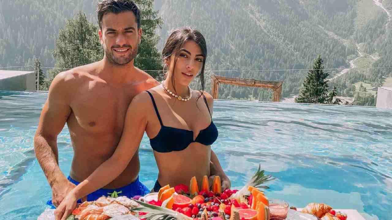La presentatrice ed influencer Giulia Salemi in vacanza con il fidanzato Pierpaolo Pretelli (foto Instagram).