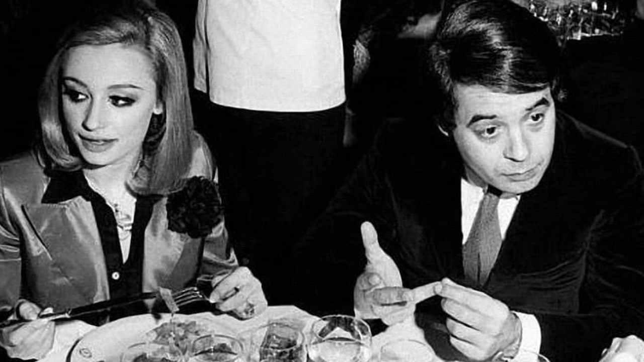 Gianni Boncompagni e Raffaella Carrà a La Bussola, anno 1972 (foto Instagram).