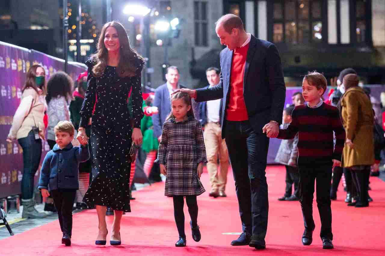 Royal Family: Kate Middleton e William Windsor con i figli Louis, Charlotte e George vanno a vedere uno spettacolo al London Palladium Theathre. 11 dicembre 2020 (foto di Aaron Chown - WPA Pool/Getty Images).
