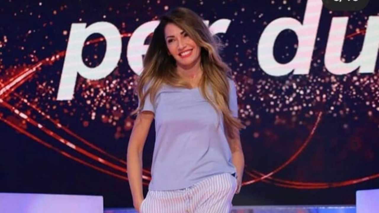 Uomini e Donne, Ida Platano entra in studio per la sfilata in pigiama (foto Instagram).