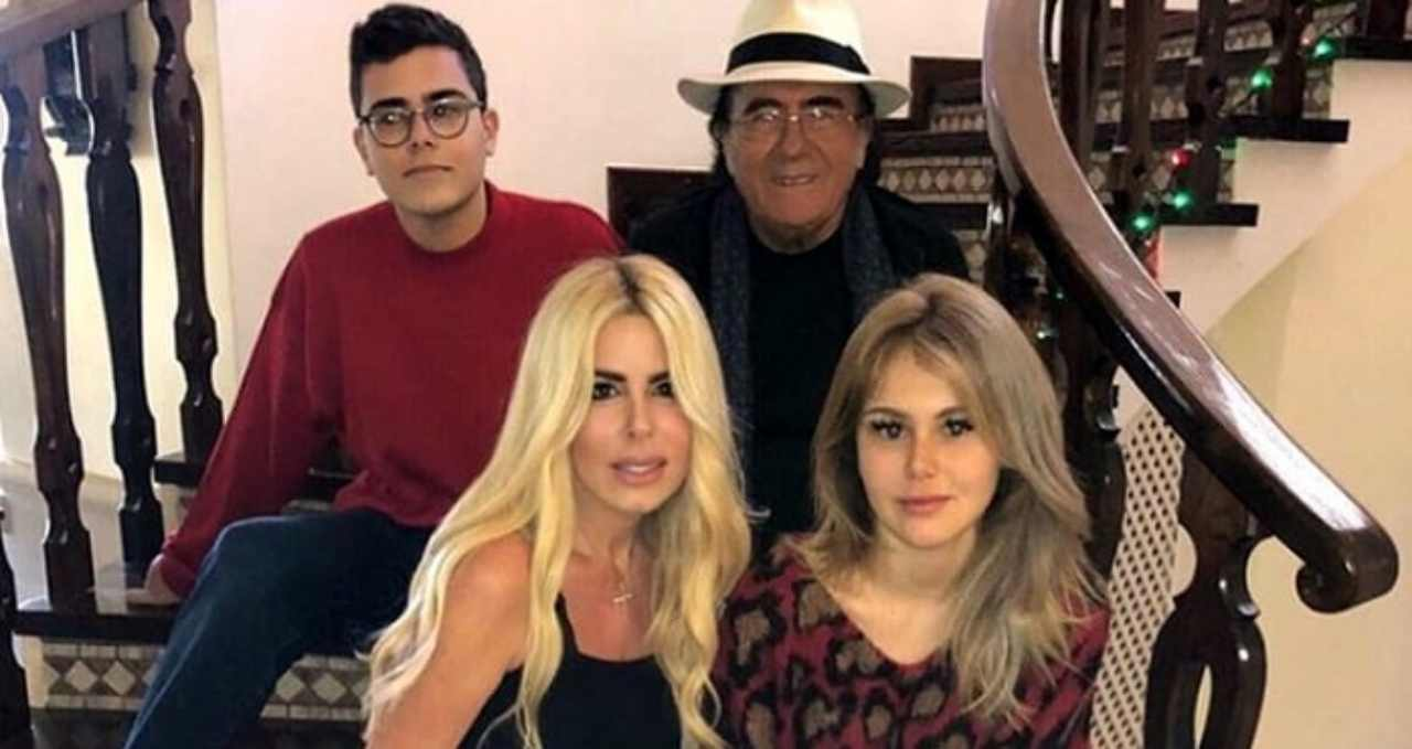 Loredana Lecciso, Al Bano ed i figli Jasmine e Albano Jr. (foto Novella 2000).