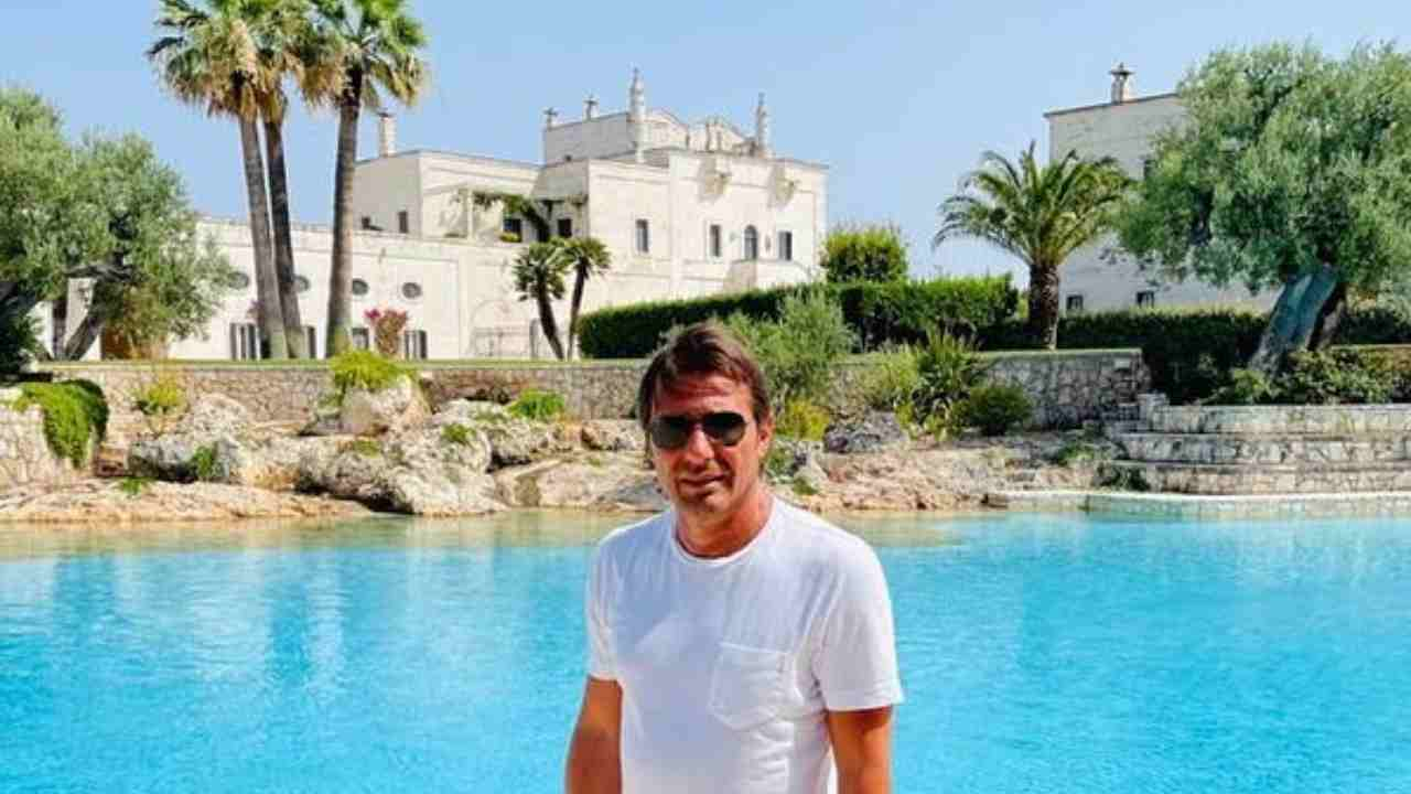 Vacanze in Puglia per Antonio Conte nel 2021 (foto Instagram).