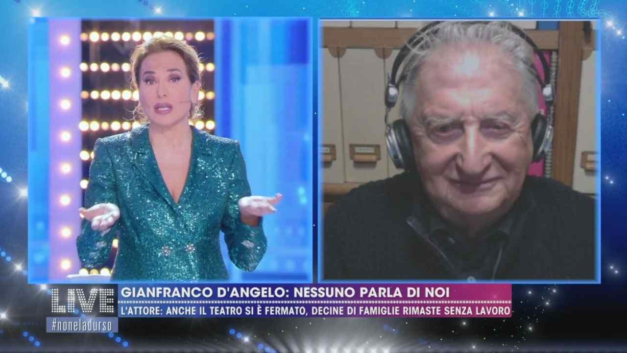 Live - Non è la D'Urso, Gianfranco D'Angelo viene intervistato da Barbara D'Urso (foto Mediaset)