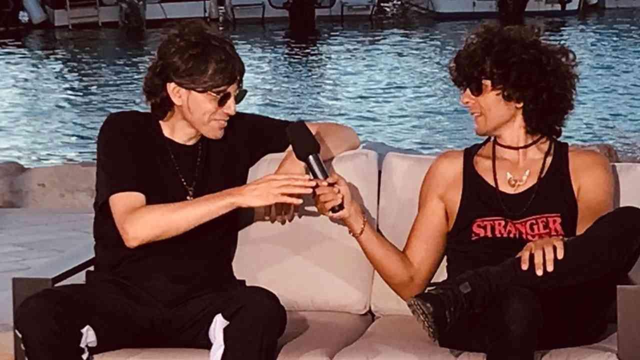 Intervista di coppia: i cantanti Bugo ed Ermal Meta si passano il microfono (foto Instagram).