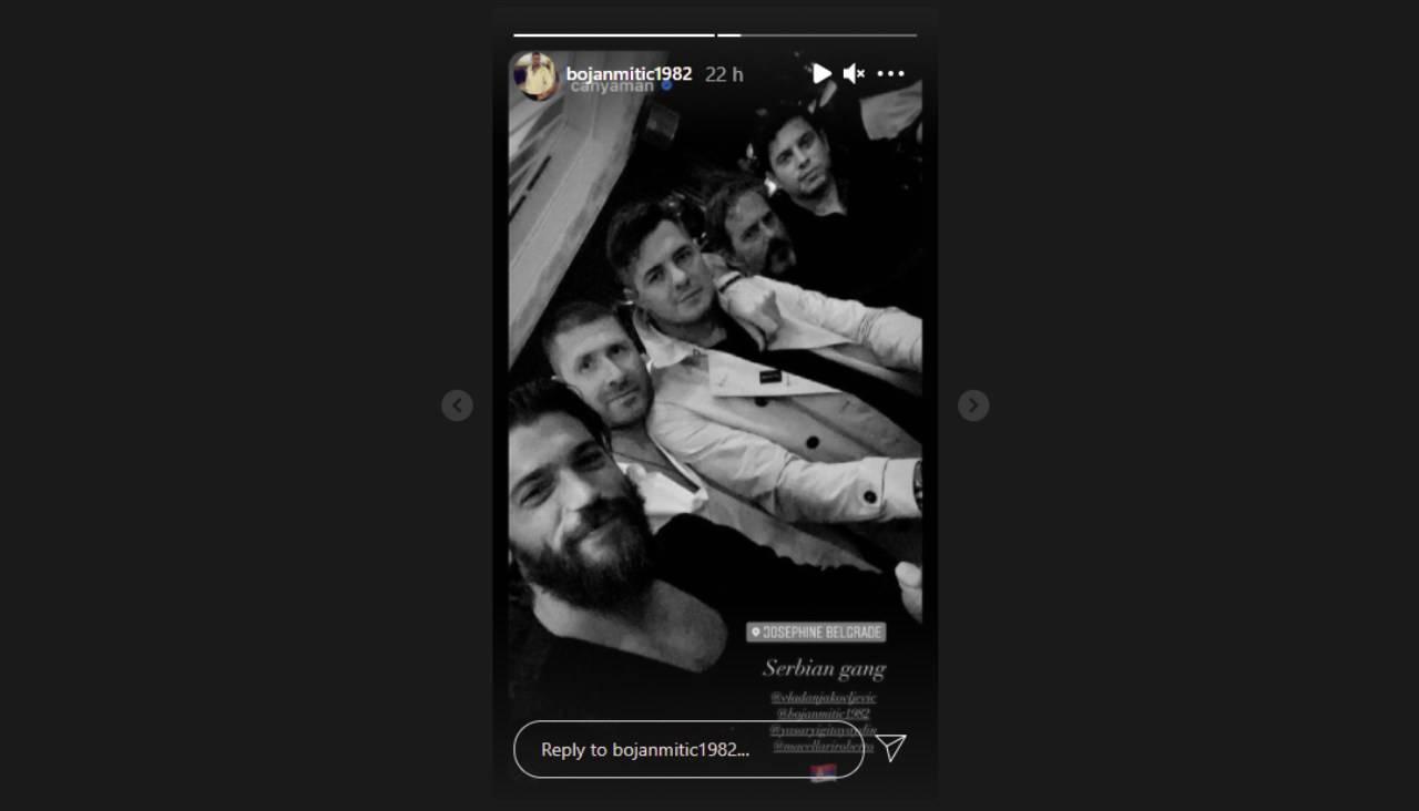 Belgrado, Serbia. Can Yaman trascorre la serata con l'agente e degli amici (foto Instagram).
