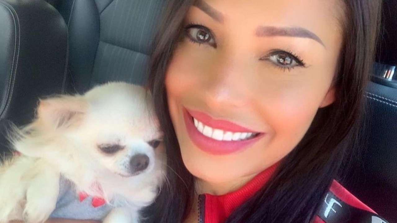 Carolina Marconi con il suo cane Zora, scomparso il 4 agosto (foto Instagram).