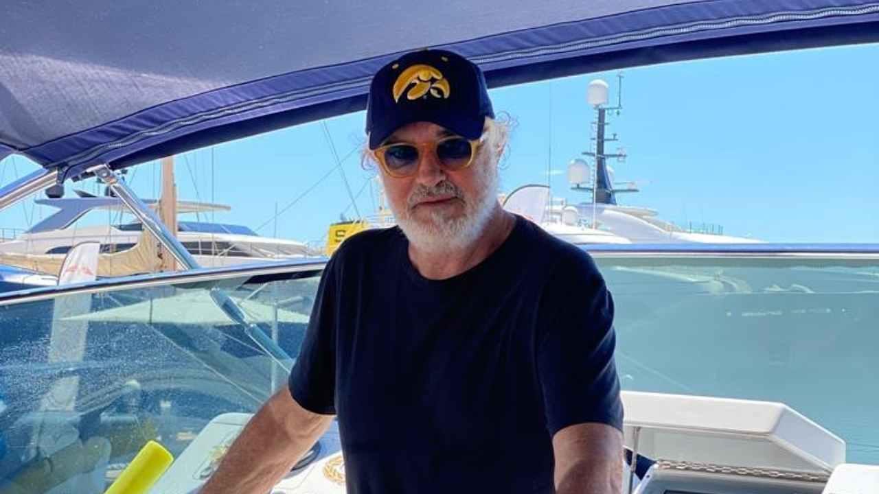 Vacanze in Sardegna: Flavio Briatore in barca (foto Instagram).