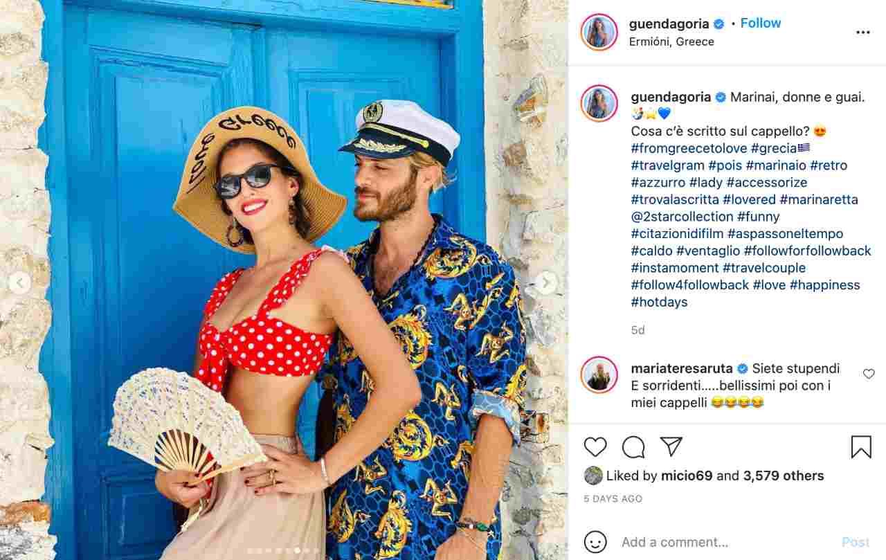 Vacanze in Grecia: Guenda Goria con il fidanzato Mirko Gancitano ed il commento divertito di Maria Teresa Ruta sotto la foto (fonte: Instagram).