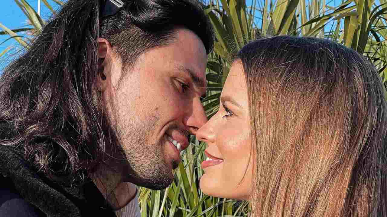 Uomini e Donne, l'ex tronista Luca Onestini e Ivana Mrazova (foto Instagram).