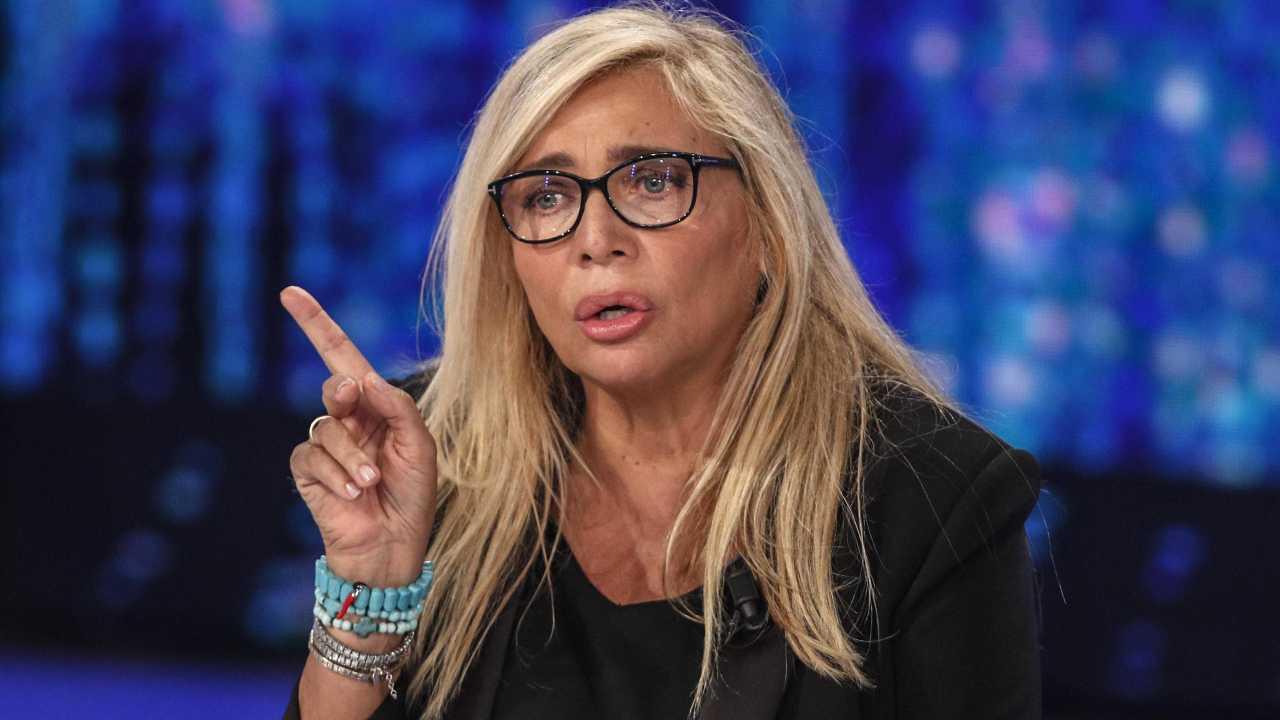 La conduttrice Mara Venier durante una puntata di Domenica In (foto Rai).