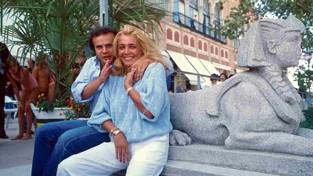 La conduttrice Mara Venier in una foto d'archivio con Jerry Calà (foto Wikipedia).