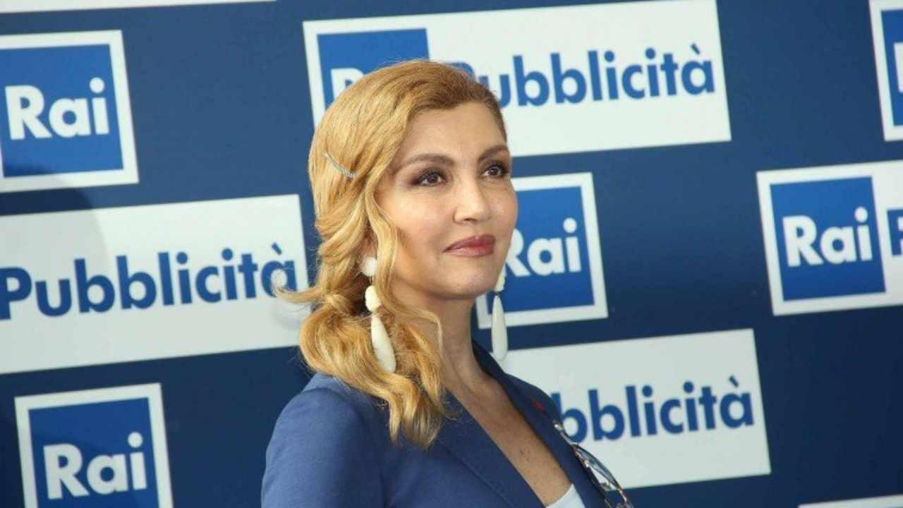 La presentatrice Milly Carlucci ad una conferenza stampa della Rai.