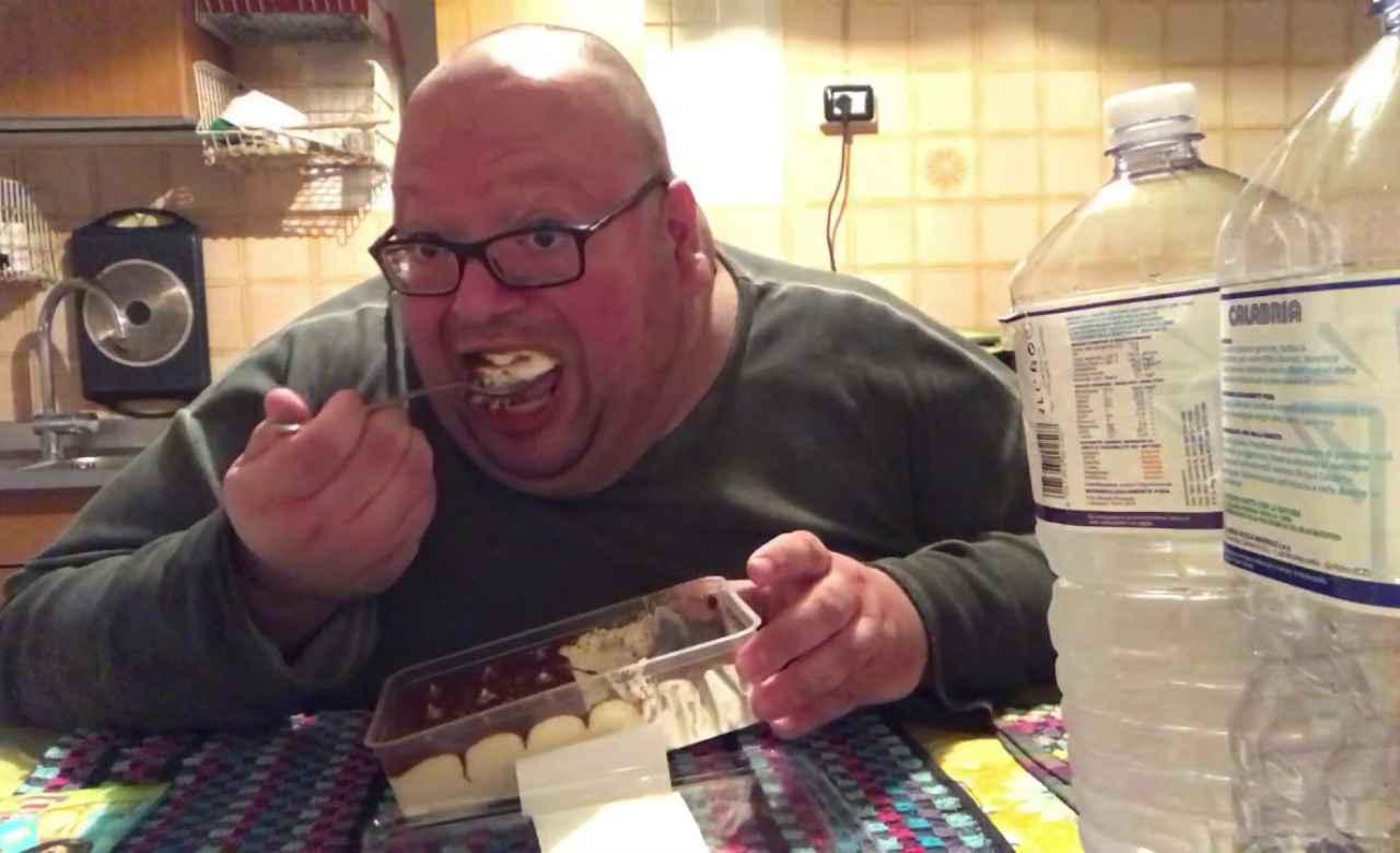 Lo YouTuber, YouTubo Anche Io durante uno dei suoi video.