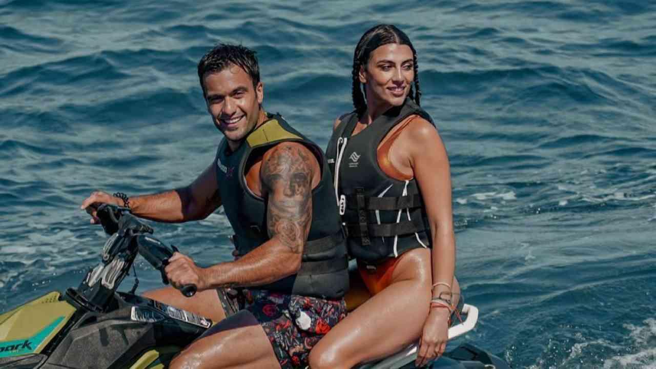 La coppia nata al GF Vip: Giulia Salemi e Pierpaolo Pretelli in vacanza a Ischia (foto Instagram).