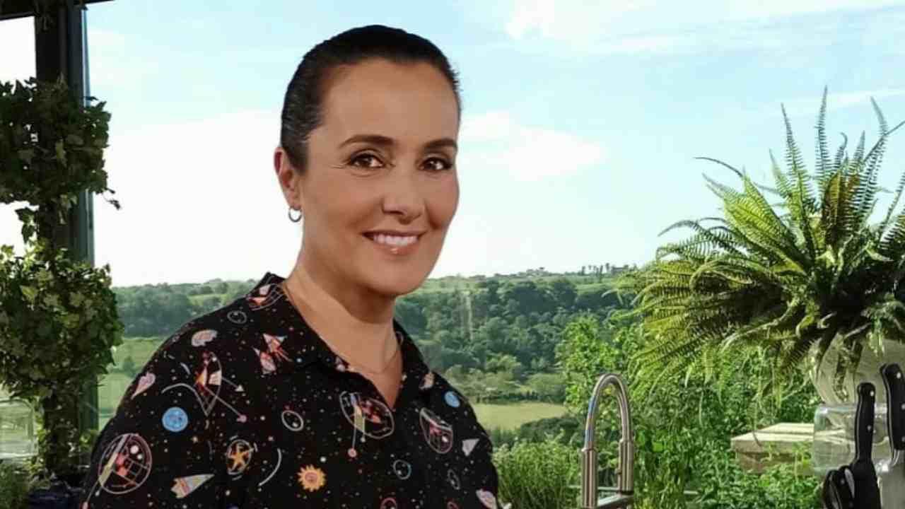 La conduttrice Roberta Capua negli studi de L'Ingrediente Perfetto (foto Instagram).