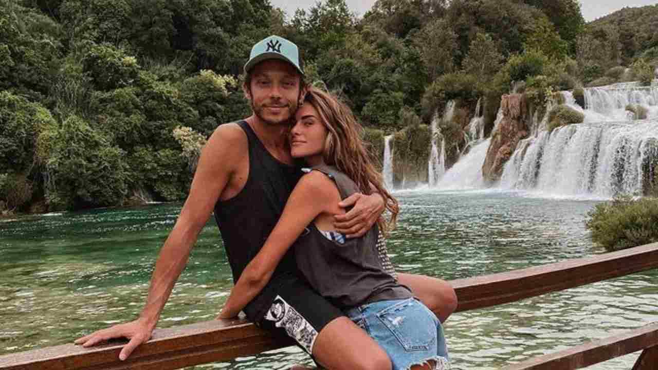 Innamorati: Valentino Rossi e Sofia Noviello (foto Instagram).