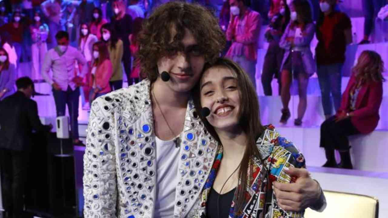 Amici 20, Sangiovanni e Giulia Stabile si dichiarano apertamente una coppia (foto Mediaset).