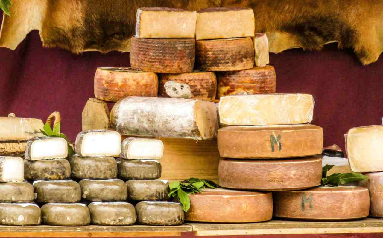 Richiami alimentari, ritirato formaggio di un noto marchio