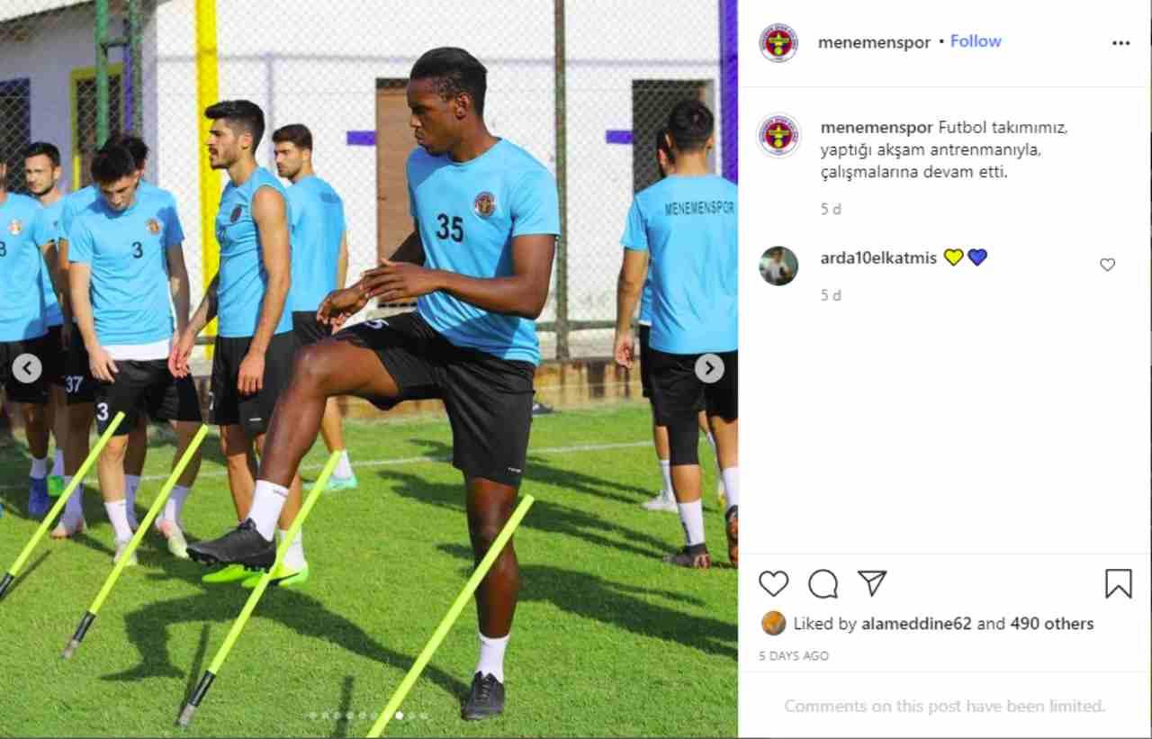 Turchia, Enock Barwuah si allena con il Menemenspor: indosserà la maglia 32 (fonte: Instagram).